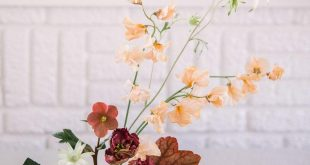 Modern Wedding Florals with Earth Tones