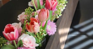 arrangements in wooden boxes | floral arrangement in rustic wooden box