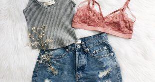 Maddi – Kurzes Oberteil, Geblümte Bralette mit Blumenkäfig und Rebekka. Erhalten das Aussehen …