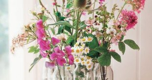 37 DIY Floral Arrangements for Adding Some Flower Power to Your Home - #