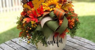 Fall Centerpiece, Fall Floral Arrangement, Turkey Decor, Thanksgiving Centerpiece , Thanksgiving Decor
