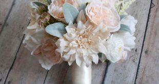 Rustikaler Erröten-Garten-Hochzeits-Blumenstrauß und Elfenbein-Dahlien-Pfingstrosen und Rosen